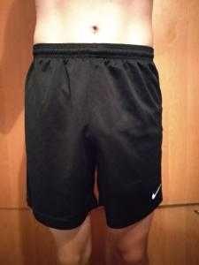 Футбольные шорты Nike 152-158 см