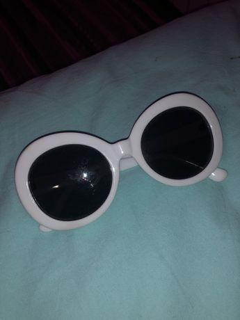 Продам белые солнечные очки