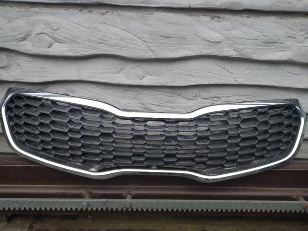 Решетка радиатора Kia Forte Cerato