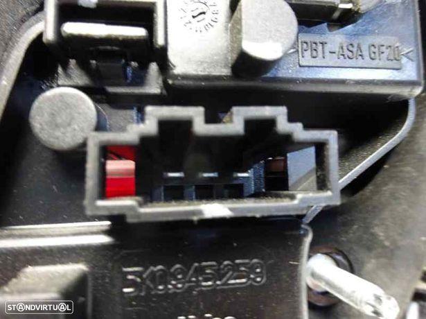 5K0945093G Farolim esquerdo da mala VW GOLF VI (5K1) 1.6 TDI CAYC