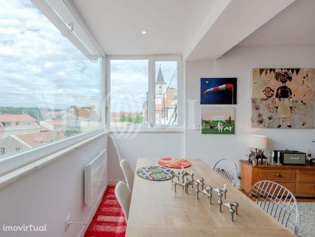 Apartamento T2+1 duplex com terraço em Campo de Ourique, ...