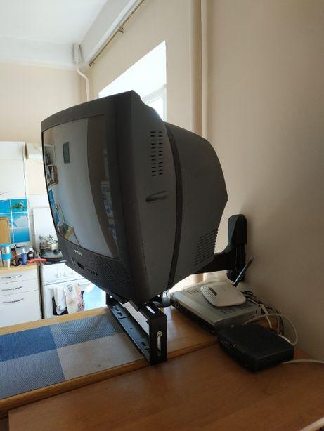 Телевизор Philips Модель 21PT1654 в рабочем состоянии