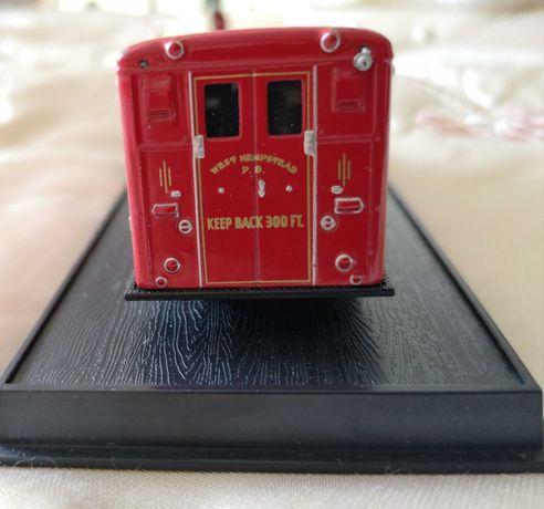 Model kolekcjonerski / wóz strażacki