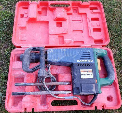 Młot wyburzeniowy RAMM-BO MAH 1500P + walizka i dłuta Energia udar 25J