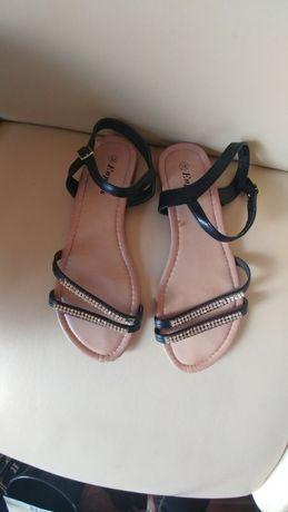 Sandały paski zdobione cyrkonie Zapinane w kostce 39 / 40