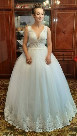 Весільна сукня продати срочно