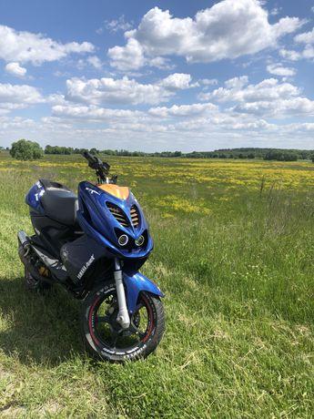 Yamaha aerox (slider,bws)
