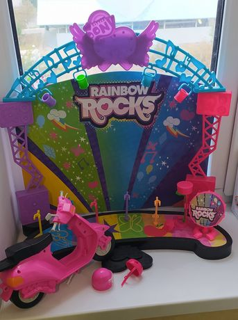 Сцена для куклы Барби. Мотоцикл для куклы Барби
