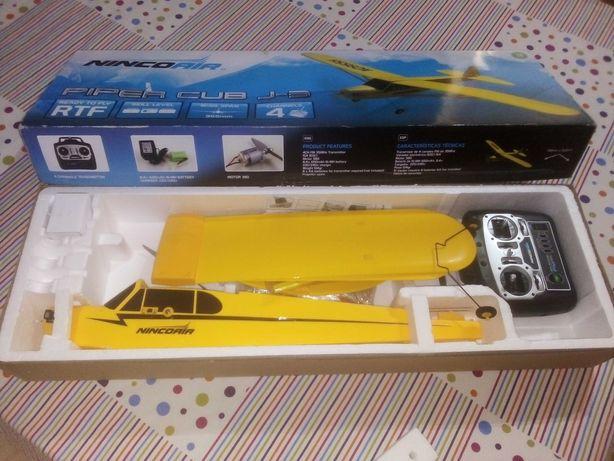 Avião Piper Club J3