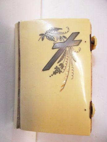antigo livro pequeno da Missa e da Confissão em celuloide? com prata