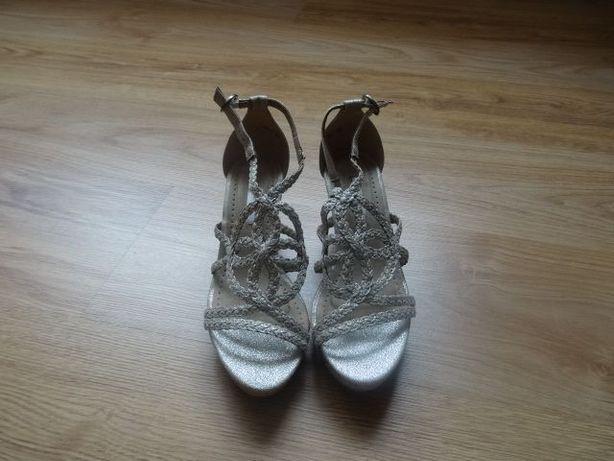 Sandałki damskie CORINA 37