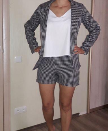 Костюм тройка : шорты,  майка и пиджак