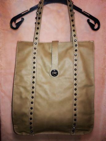 Большая сумка шоппер с заклепками