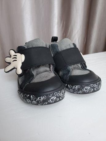 Весняне взуття Zara Disney Міккі Маус