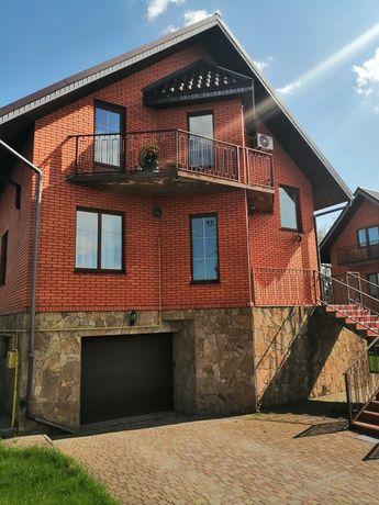 В продаже дом с гаражом, ремонтом, камином, с. Новые Петровцы