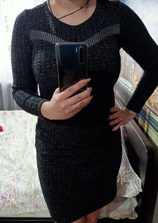 Платье теплое как новое