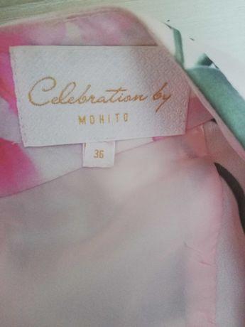 Sukienka w kwiaty Mohito