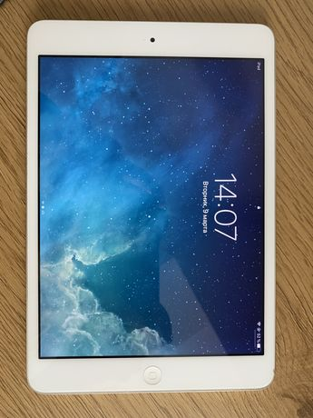 продам ipad mini 2 (retina) 16gb wifi
