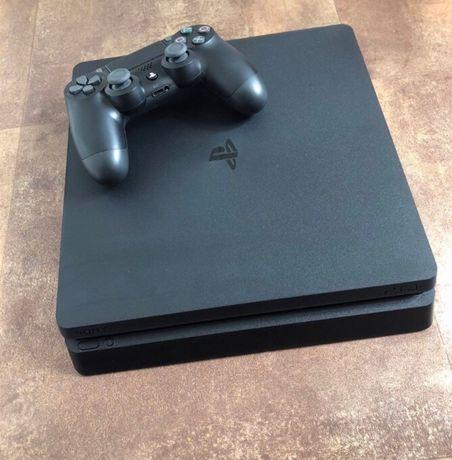 Продам PlayStation 4 Slim 500GB с играми на аккаунте