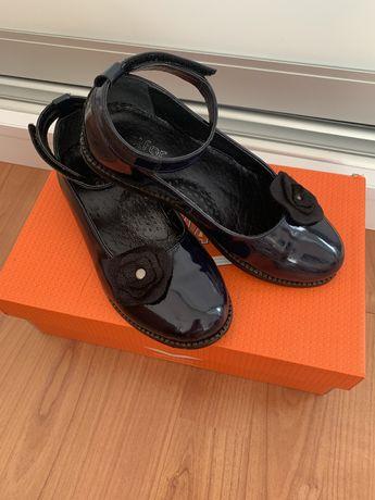 Шкіряні туфлі для дівчинки!