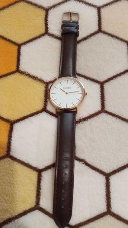 Relógio tipo cluse com portes