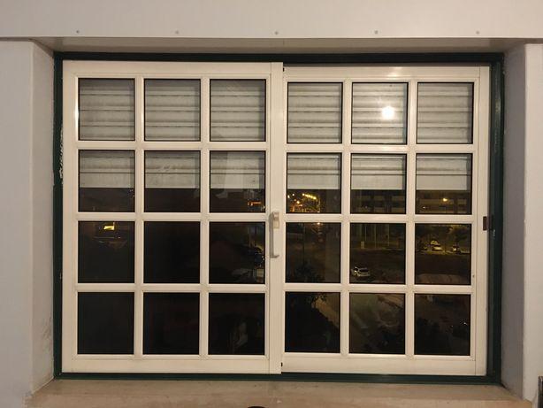 Varias Janelas em aluminio + porta