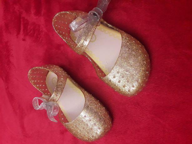 świecące buciki złote 25