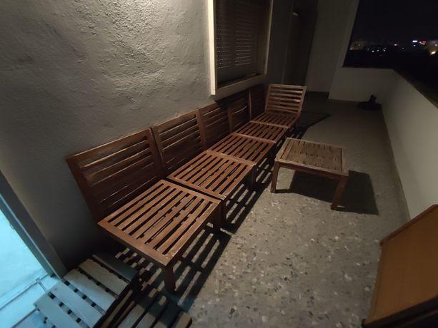 Mobília / Bancos / Mesa para jardim com almofadas