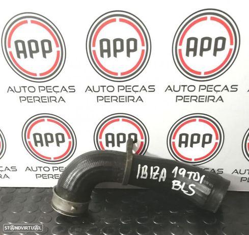 Tubo de intercooler Seat Ibiza 6J 1.9 TDI BLS.