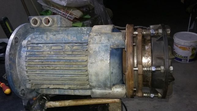 Motor elétrico trifásico 5,5 kw