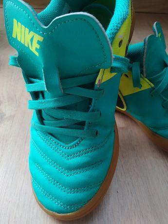 Nike chłopięce 32