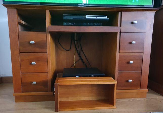 Móvel TV com Prateleira e oito gavetas para CD