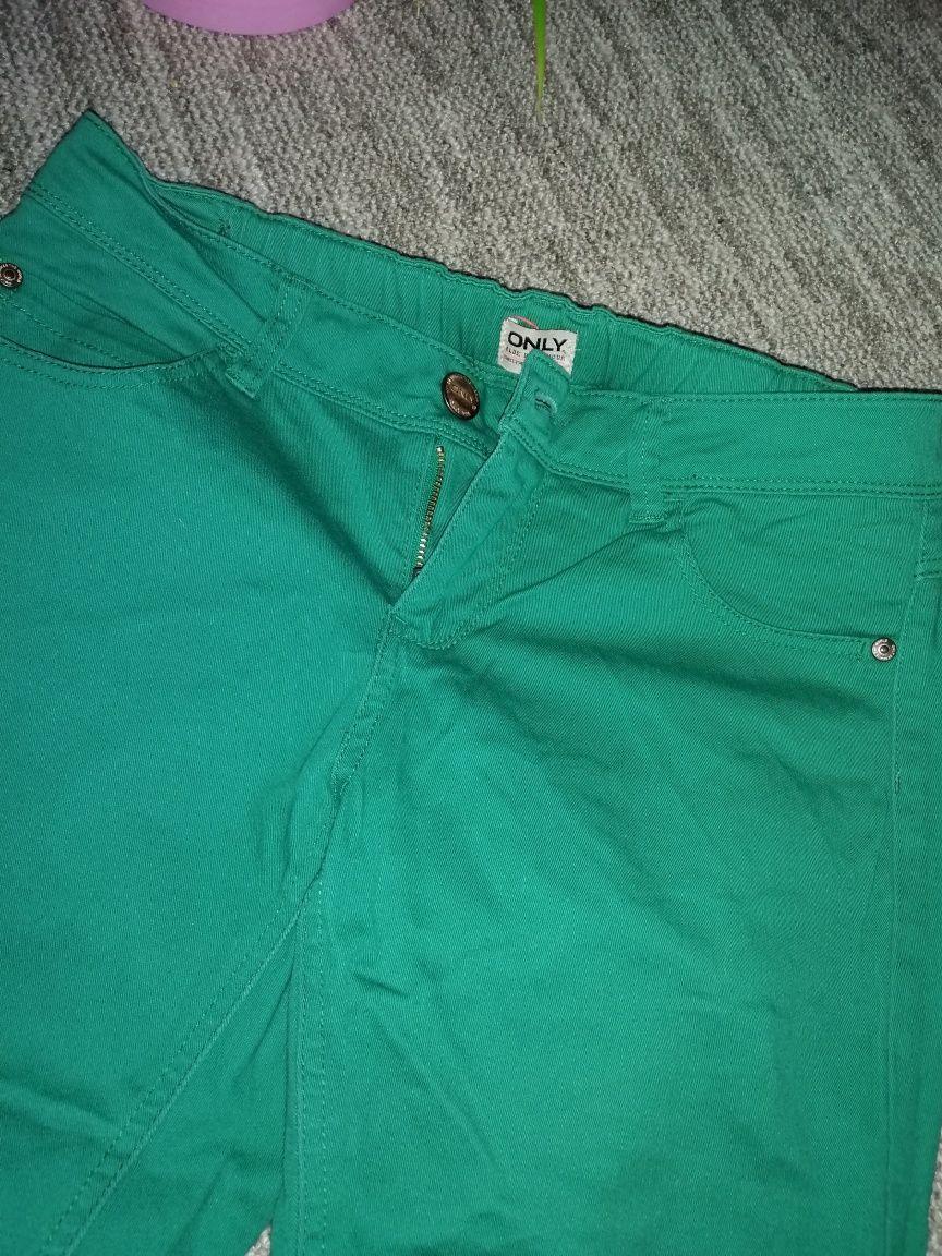 Яркие зелёные джинсы Only, камера не передаёт реальный сочный цвет