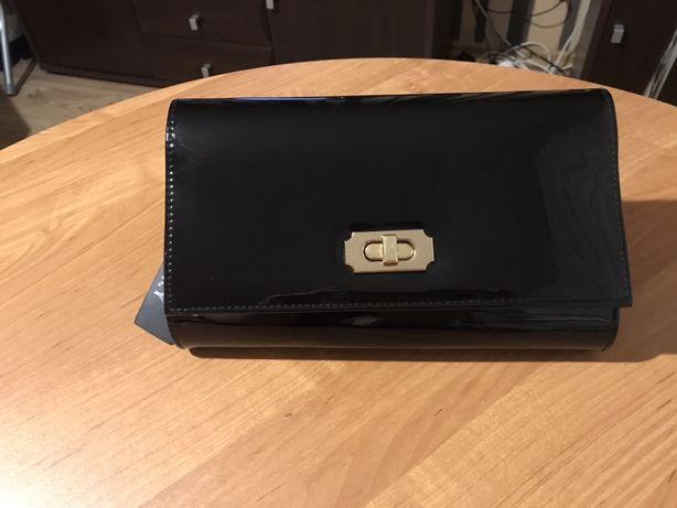 Torebka kopertówka czarna lakierowana NOWA