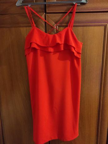 Сукня червоного кольору
