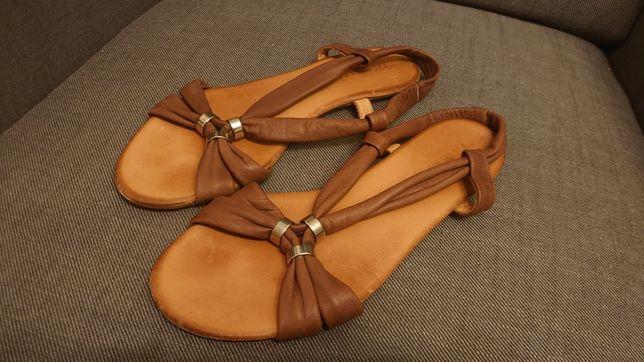 Sandały skórzane Tamaris brązowe r 39