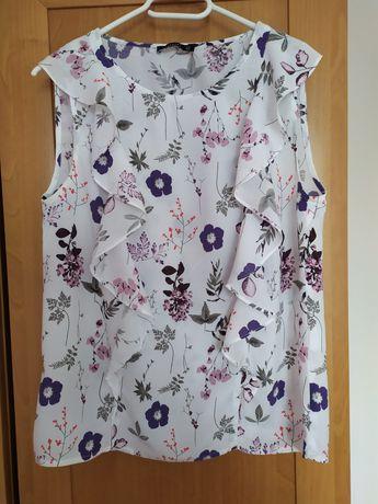 Biała bluzeczka w kwiaty