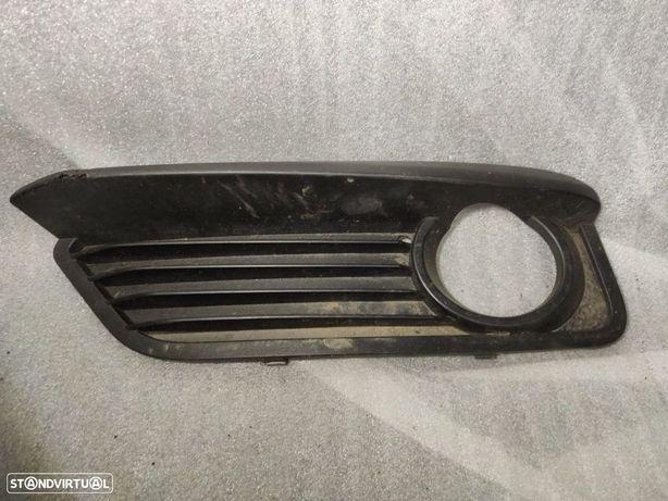Grelha Esquerda Inferior Parachoques BMW Serie 1 F20 F21 LCI 7371665 51117371665 nevoeiro farol