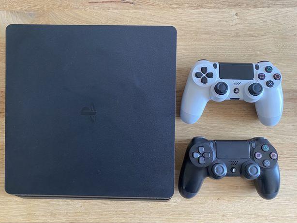 Playstation 4 Slim 500GB - 2 Pady