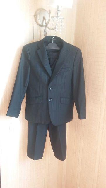 Школьный костюм для мальчика на рост 122 (1 класс)