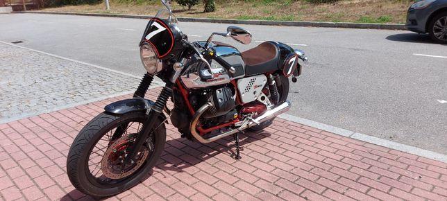 Moto Guzzy V7 Racer