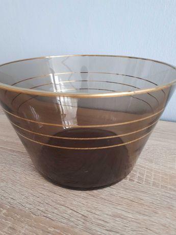 Miska ze szkła podpalanego ze złotymi zdobieniami
