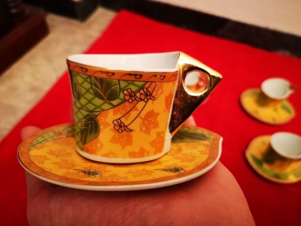 Serviço de Porcelana para Cafe