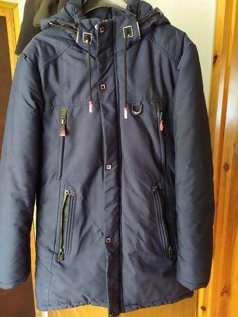 Продам зимнюю куртку-пальто на мальчика в отличном состоянии. Цена 400