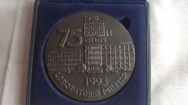 Medalha Comemorativa Laboratório Militar, com estojo