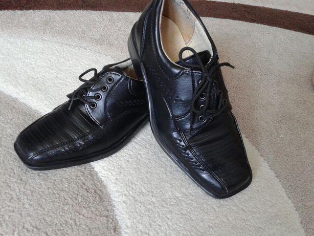 Eleganckie buty wizytowe rozm. 31 stan Bardzo Dobry