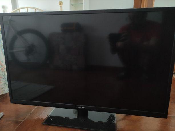 Televisão TV LCD LED E-Motion avariado