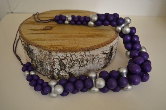 Korale plastik srebrno-fioletowe kulki regulacja długości Dzień Kobiet