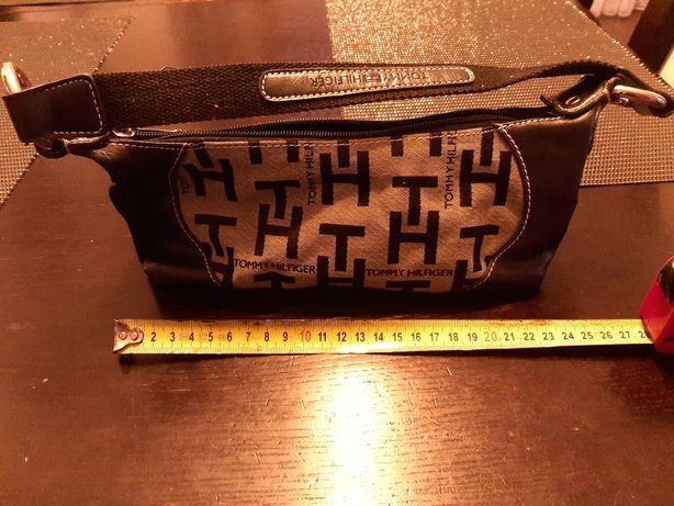 Sorzedam nową oryginalną torebkę/saszetkę Tommy HILFIGER