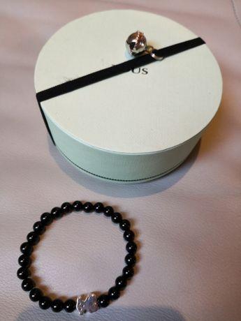 Tous - bransoletka srebrny miś, czarne kamyczki
